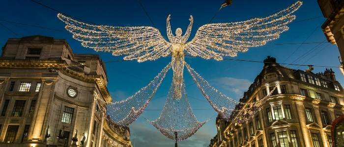 CHRISTMAS IN LONDON AND THE DECORATIONS ON OXFORD STREET WORTH CONSIDERING WHEN DOING YOUR UK TRAVEL PLANNING