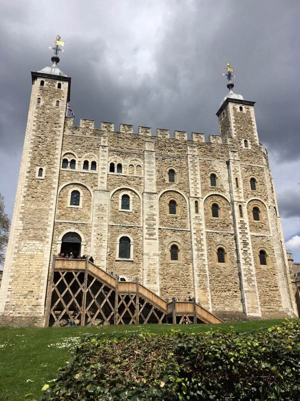 A photo of a castle called The White Tower at the Tower of London