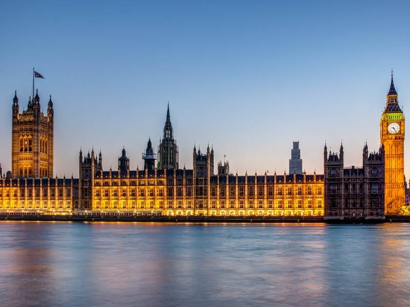 A picture of the Houses of Parliament in London where you can take one of the best virtual tours of London