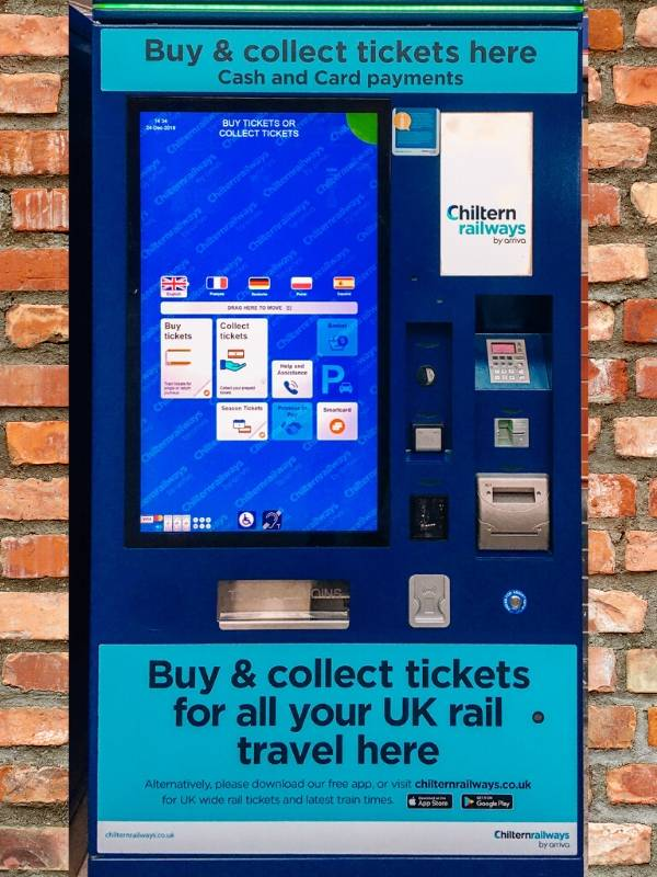 Train station booking machine for tickets