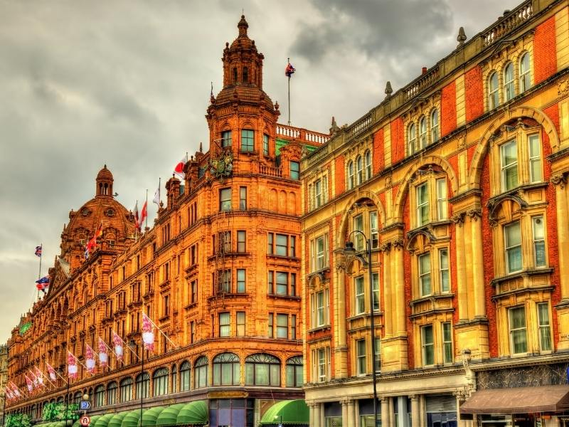a picture showing Harrods department store located near some of the best London hotels in south Kensington and Knightsbridge.