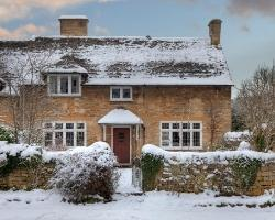 The perfect Cotswold cottage found in the comprehensive England Accommodation Guide