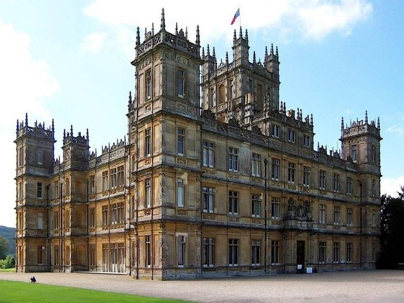Highclere Castle as seen in Downton Abbey is a popular castle near London for tourists