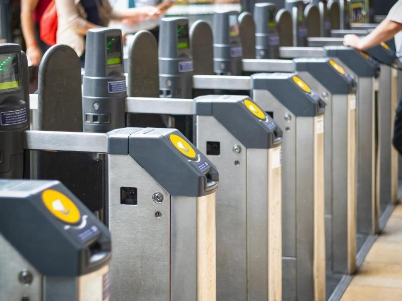 Tap your Oyster cards on the yellow panel as you enter and exit London Tube stations