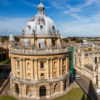 View of Radcliffe Camera in Oxford Travel Guide.