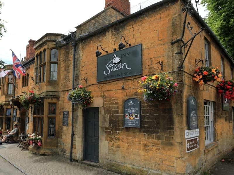 The swan inn pub in Moreton-in-Marsh one of the things to do in the Cotswolds