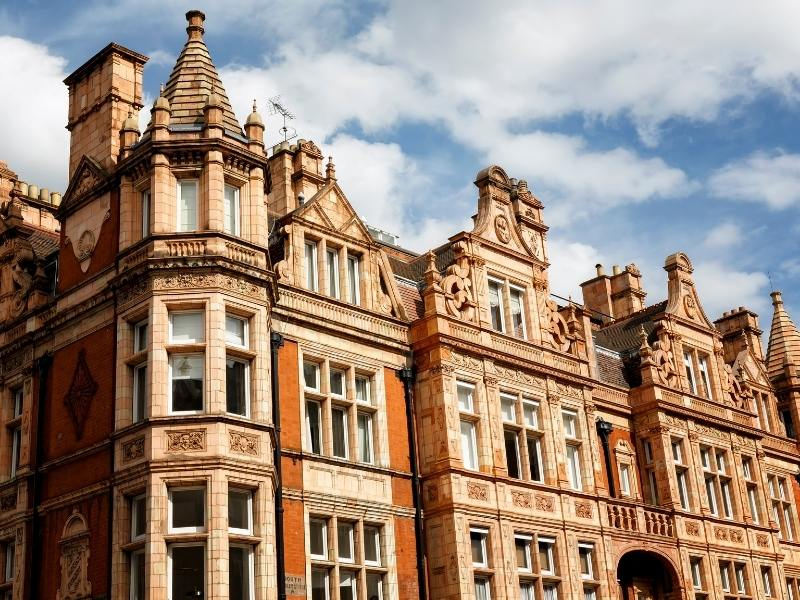 Georgian houses near many of the best hotels in Mayfair