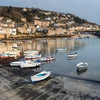 Cornwall Travel Guide harbour with boats