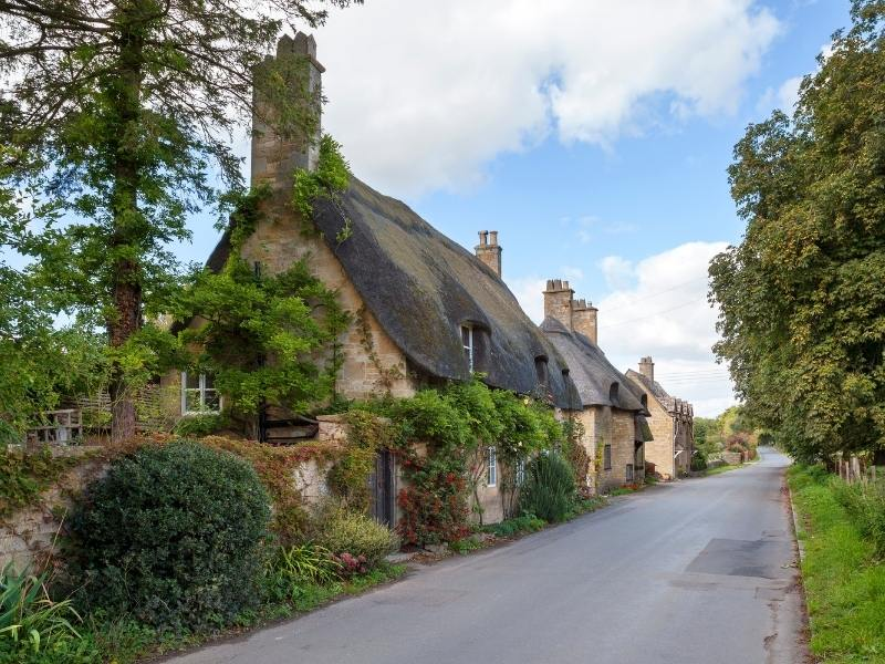 English cottage a perfect example of a beautiful option in a UK accommodation guide