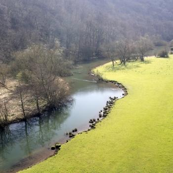 image of a river in Derbyshire