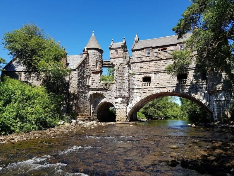 Bridge House - Image courtesy of Airbnb - Scottish castle hotels.