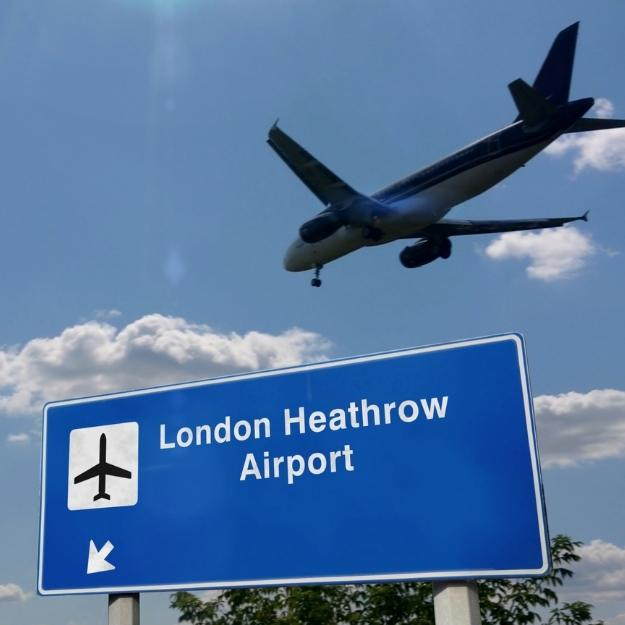 London Travel Guide photo of Heathrow airport sign.