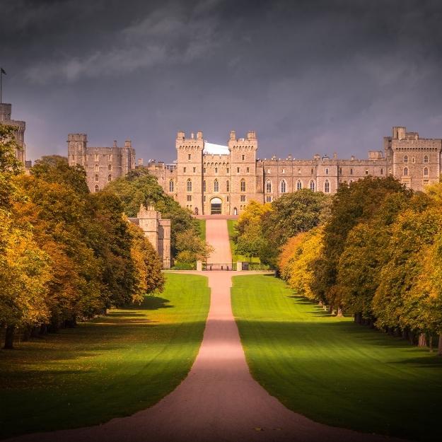 Windsor Castle London Travel Guide.