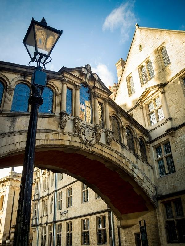 Bridge of sighs as seen in the Oxford Travel Guide.