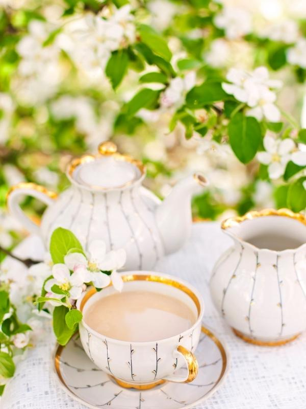 Tea is one of the most popular English drinks and is served in china cups and teapot.
