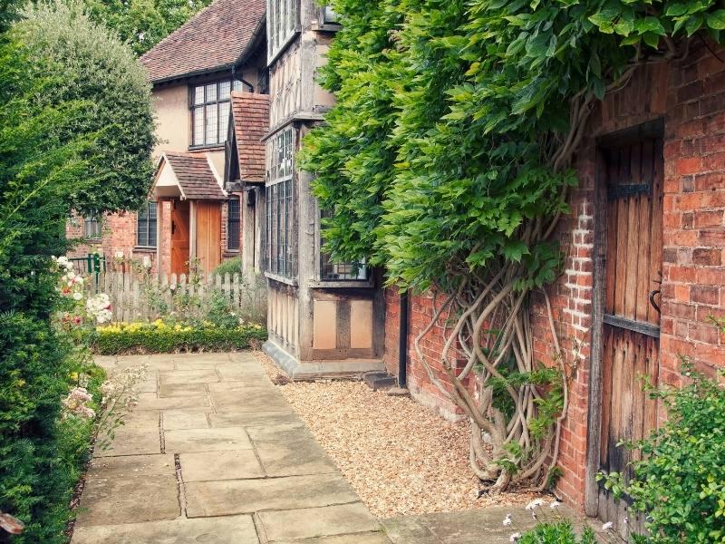Shakespeare's garden cottage in Stratford upon Avon.