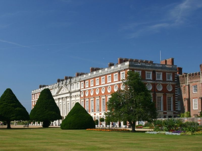 Excellent day trips from London to Hampton Court Palace